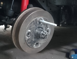 Montagebolzen für Räder
